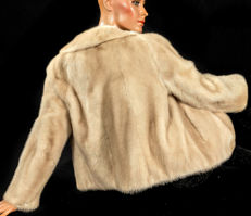 Luxurious light cream-coloured mink jacket genuine fur mink jacket