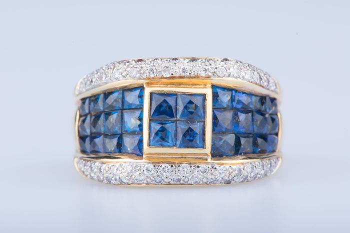 18 kt yellow gold ring 28 sapphires of approx. 1.12 ct 62 diamonds of approx. 0.62 ct - Size: EU: 53 US: 6 1/4
