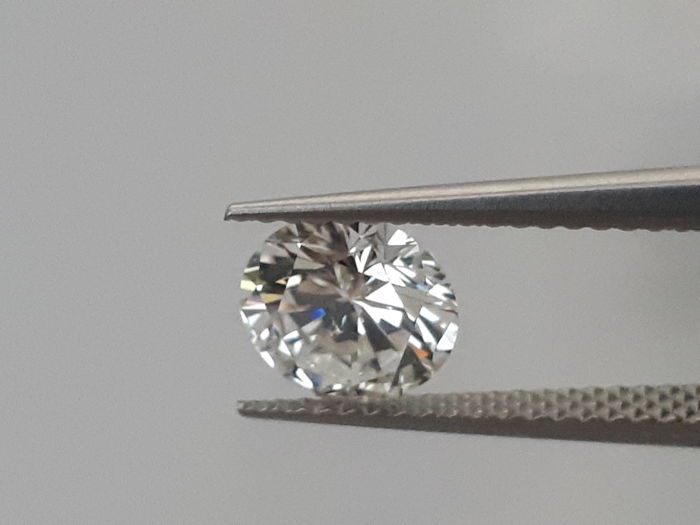 0.68 ct brilliant cut diamond E VS1, HRD certificate, 100% feedback