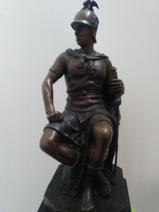 Beautiful bronze sculpture depicting a gladiator - 20th century