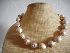 14K pearl necklace of natural south sea baroque Kasumi pearls - 18 inch