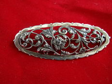 Silver brooch signed 51V and hallmark