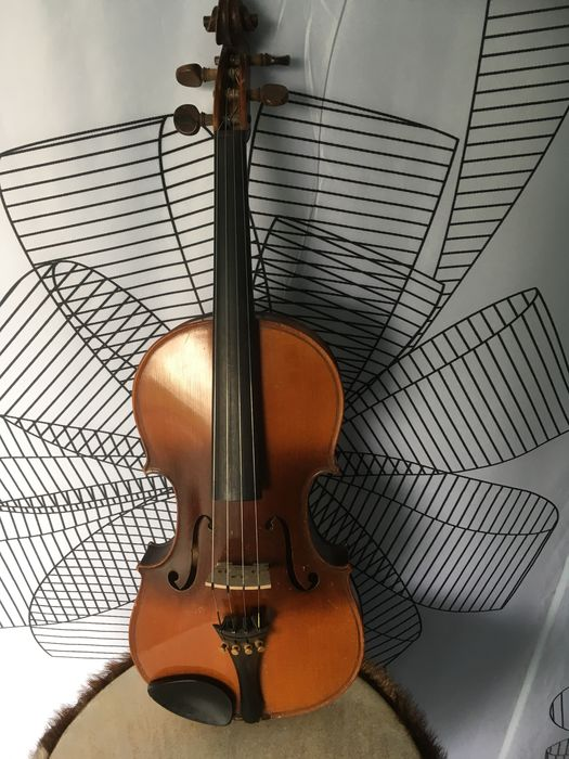 Antique 4/4 violin Le Marquis delair 1920