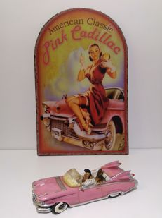 """Pink Cadillac"" figurine (Elvis with dog) & Metal Sign ""Pink Cadillac"" (50 x 32 cm)"