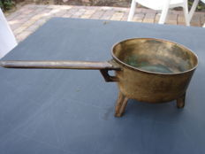 Antique bronze saucepan - 3 kg - diameter 20 cm, with handle 40 cm
