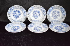 Carl Teichert, Meissen - onion pattern - 6 fretwork plates