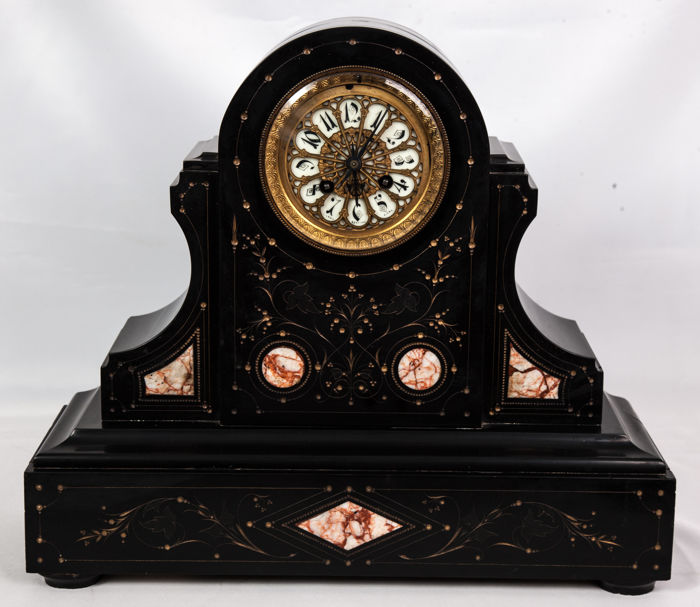 Mantel clock in black marble, Japy Frères – France – late 19th.