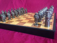 "Collectible metal chess set. ""Arabs vs Templars"""