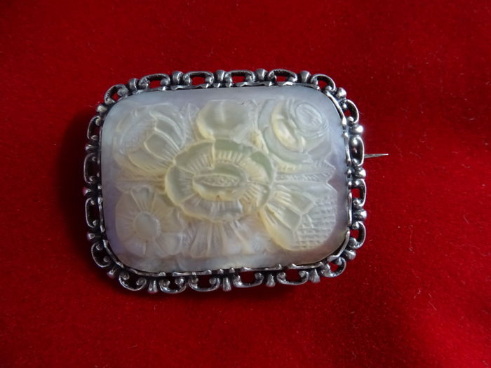 Silver design brooch with large,  mother of pearl, hand carved plaque, signed Goossen Hilversum