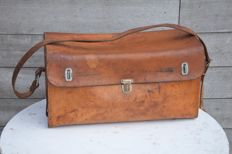 Fully leather tool case - 49.5 cm x 27 cm x 20 cm - circa 1960