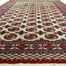 """BUKHARA – Afghanistan – 254 x 185 cm – """"Finely knotted Persian carpet"""" – Second half previous century."""