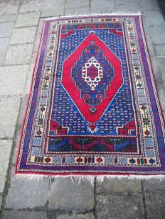 Hand-knotted Turkish carpet – 180 x 110 – Turkey – Circa 1960