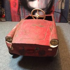 Renault Floride - pedal car in heavily used condition