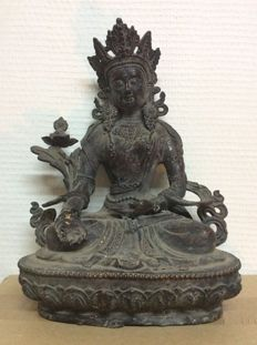Boddhisattva in bronze with traces of gold lacquer - China/Tibet - Late 19th century.