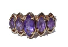 Splending Ring in Gold and Amethysts 1.12 ct - Line of Marquises