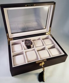 Very luxurious, durable, elegant solid ebony watch box with lock, for 8 large watches