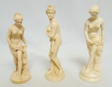 3 Venus statues of alabaster/resin, Greek mythology, signed