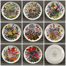 """8 plates Franklin Mint """"Flowers of the Year"""""""