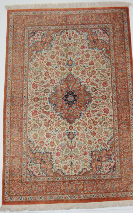 Outstanding Persian silk QUM - 70 raj - signed Heidari