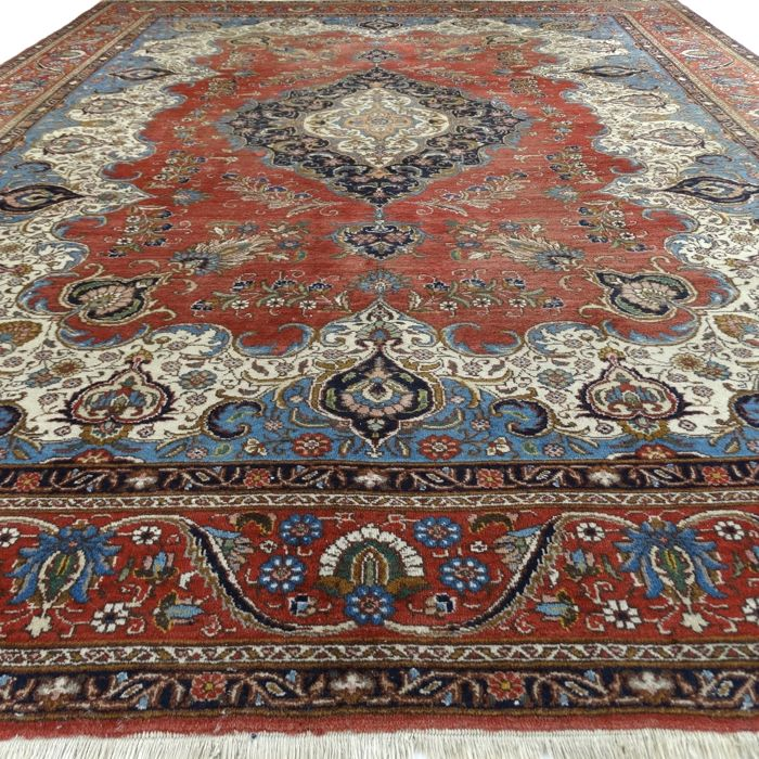 "TABRIZ – Iran – 382 x 292 cm – ""Prestigious Persian XXL carpet"" – 2nd half previous century"