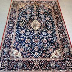 Fantastic, dark Isfahan - 186 x 124 - very good condition and magnificent appearance.