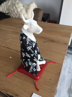 CowParade - Meditating Cow - Medium - Resin in original box.