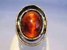 Large ring with natural amber signed Perli