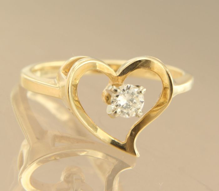 14 kt yellow gold ring set with brilliant cut diamond, approx. 0.16 carat in total, ring size 16.5 (52)