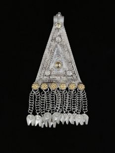 Silver pendant with gilt silver inserts - Oman, from the late 20th century