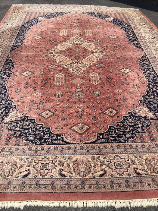 Oriental carpet India - 100% hand-knotted