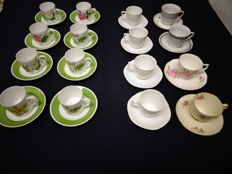 Lot of 16 porcelain cups and saucers - Hutschenreuther & Rosenthal
