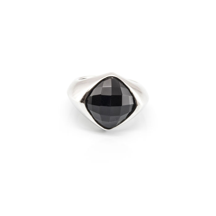 18 kt – Cocktail ring – Faceted jet, 15.32 x 13.27 mm (approx.) – Size 14 (Spain)