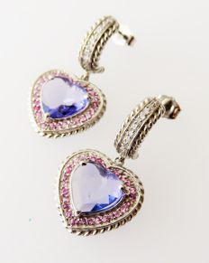 585 (14 kt) white gold stud earrings with tanzanites, sapphires and diamonds totalling 3.81 ct