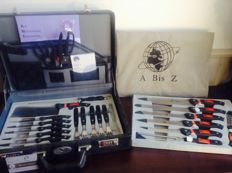 A bis Z Willing line knives case 22 pieces in orginal case