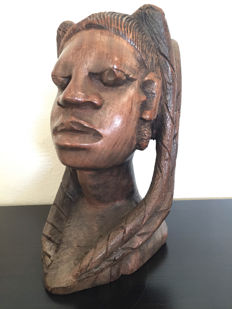 Large wood carvings of female head - Africa -second half 20th century