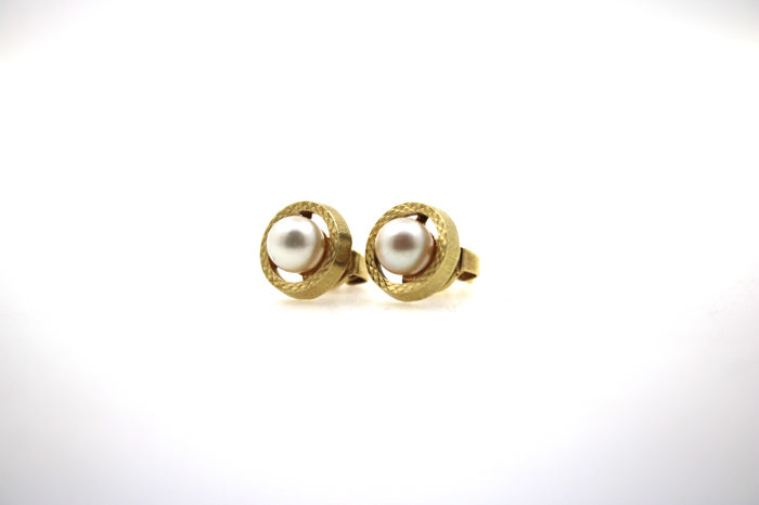 14 kt gold stud earrings with cultured pearls – 10 x 10 mm very beautiful