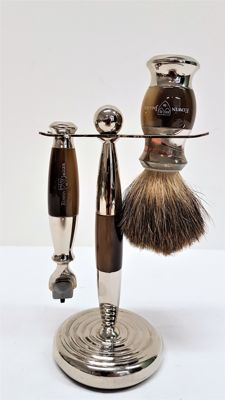 Shaving set on stand - Edwin Jagger.