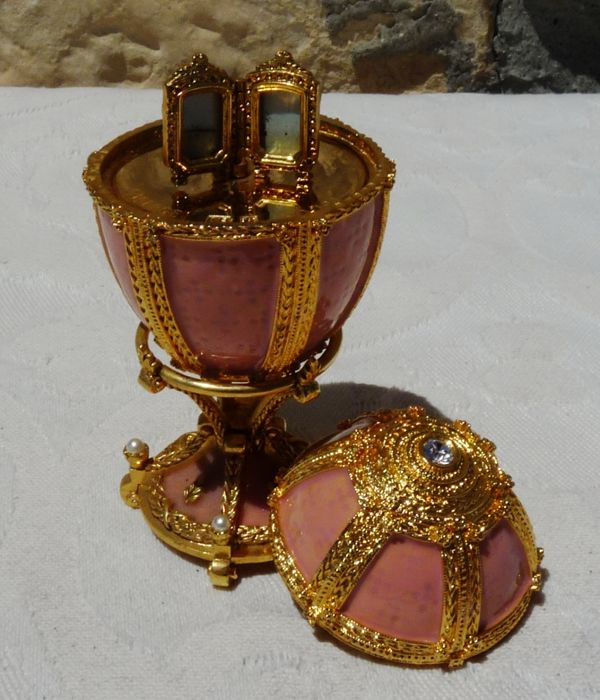"Fabergé - Authentic Faberge Imperial egg  - Collection ""Danish Palace"" - rhinestone - Enamel - gold finish 24 k - numbered - signed"