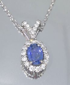 Pendant with sapphire 1.00ct and 23 brilliant cut diamonds  -