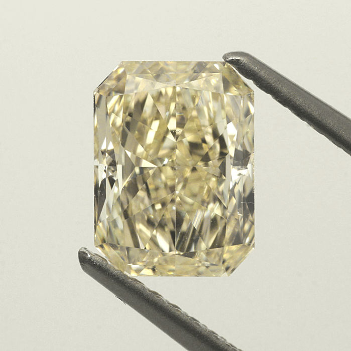 1.60 ct Radiant cut diamond light yellow (U-V) VS1 **LOW RESERVE PRICE**
