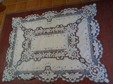Large and very elegant tablecloth embroidered with Richelieu stitching.
