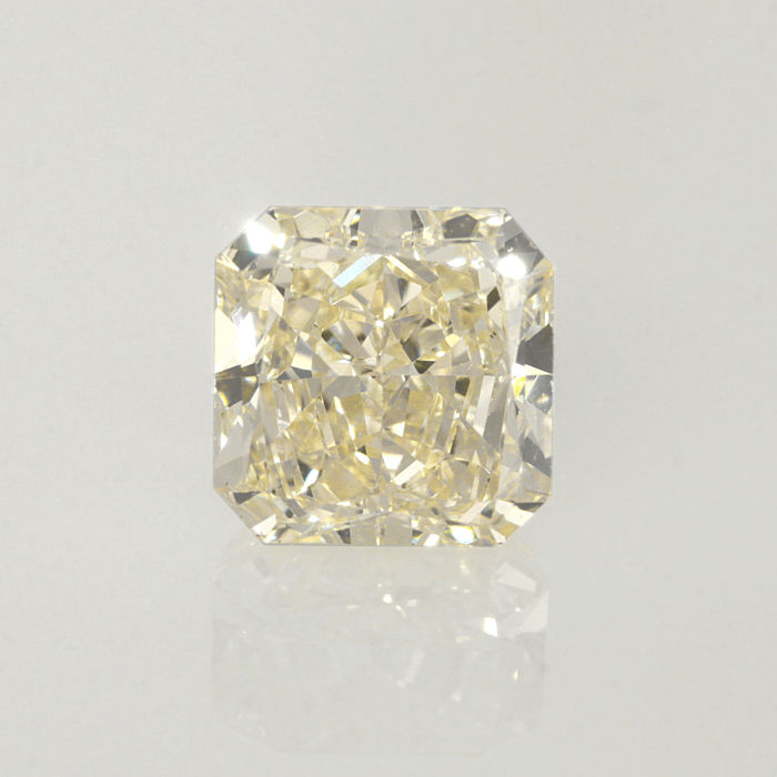 1.61 ct. Square radiant cut diamond light yellow (W-X) VS1 **LOW RESERVE PRICE**