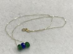 18 kt/750 Gold - Gold Necklace with Sapphire and Emeralds - Length: 41.50 cm