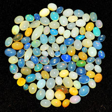 Lot of natural Opal from Ethiopia - 6 to 15 mm - 97 ct (100)