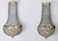 Two crystal wall lamps with brass frame