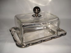 Wellner Silver: Silver plated butter dish/glass bell jar.