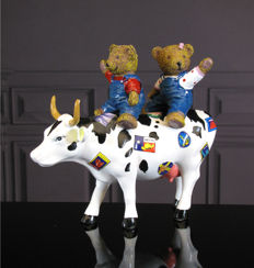 CowParade - Teddy Bears on the Moove Medium - Juan Andreau