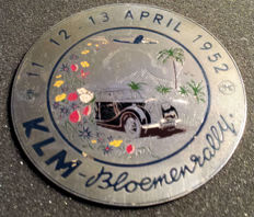 Grill Badge of the KLM Bloemenrit races from 1951 - Djakarta - Bandung