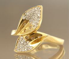 18 kt bi-colour gold ring set with single cut diamonds, ring size: 17.25 (54)