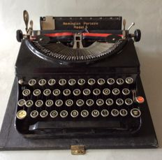 A beautiful and well working Portable Remington Model 5 typewriter, origin USA.  1st half of the 20th century, weight between 5 and 6 kg.
